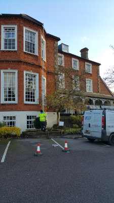 Gutter cleaning in Reigate RH2